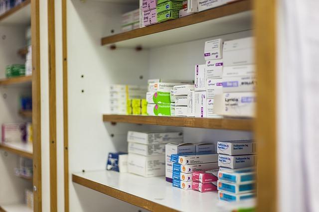 reina-isabel-farmacia