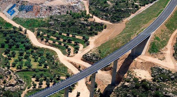 puente construido por empresa de mauricio toledano